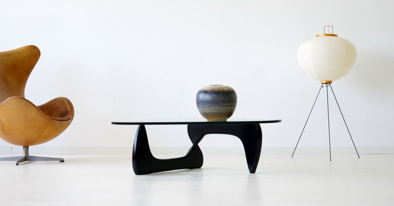 Isamu Noguchi Coffee Table Melisandre crni stolić za kavu